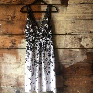 White House Black Market Size 6 A-Line Dress